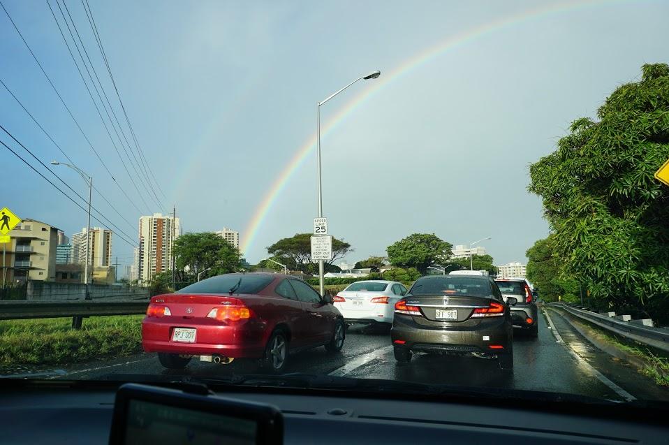 ワイキキレンタカーからの虹